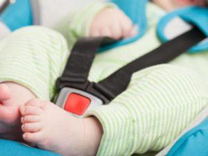 Безопасность ребенка в детском авто кресле